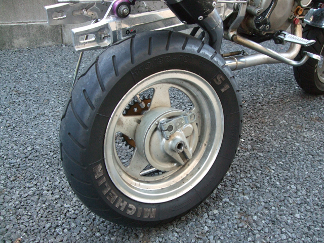 モンキーのドラムブレーキ