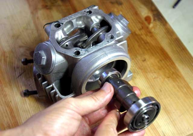 エンジンのハイカムシャフト
