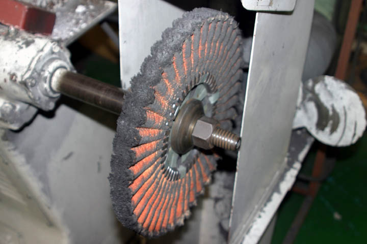 バフ研磨機