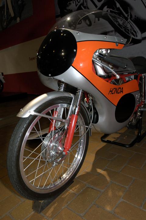 CR110カブレーシング