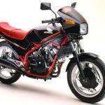 ホンダ VT250F(1982年)|250cc世界初の水冷Vツインエンジン搭載